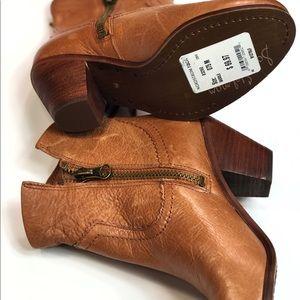 Sam Edelman Shoes - Sam Edelman Leather Booties Size 7.5